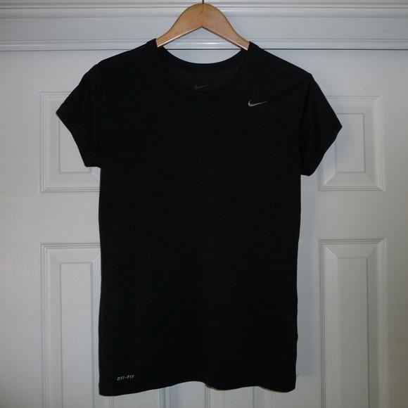 996c995ba270 Nike Dri-Fit solid Black athletic tee shirt. M 5c3694d534a4ef5257503cdd